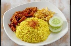 Nasi kuning Bu Sri